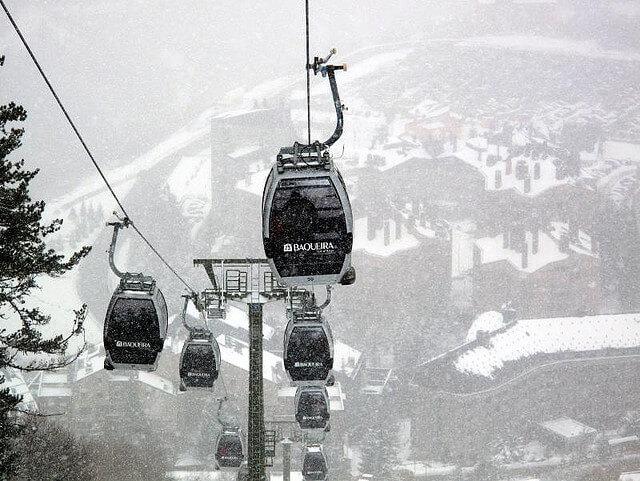 Baqueira Beret : skier en espagne