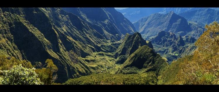 La Réunion, ce n'est pas que le farniente à la plage ! L'île réserve des treks sublimes.