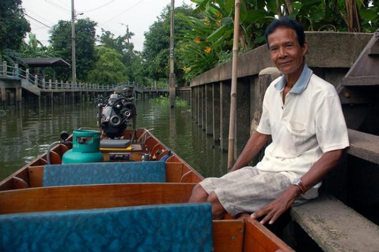 Notre gentil conducteur qui nous a promené sur les canaux du nord de Bangkok