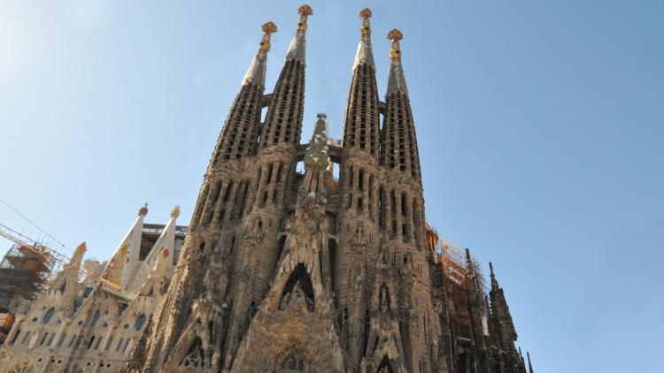 La Sagrada Familia de Barcelone où vous pourrez vous rendre le temps d'un week-end ensoleillé du mois de mai