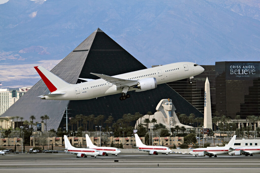 how to get from las vegas airport to luxor hotel