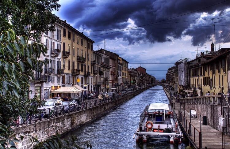 On retrouve des canaux à Milan également