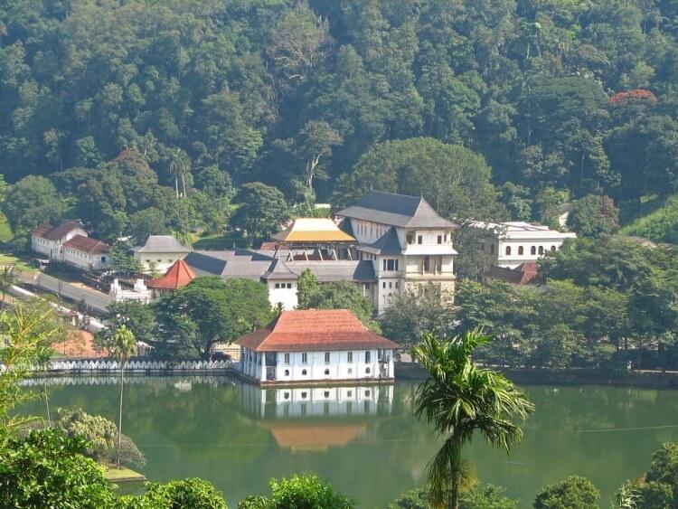 Kandy reste magnifique, même pendant la mousson !