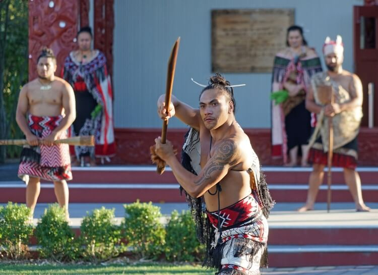 Reproduction de combats Maori