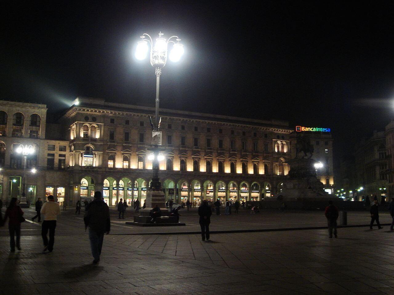 La piazza duomo à Milan