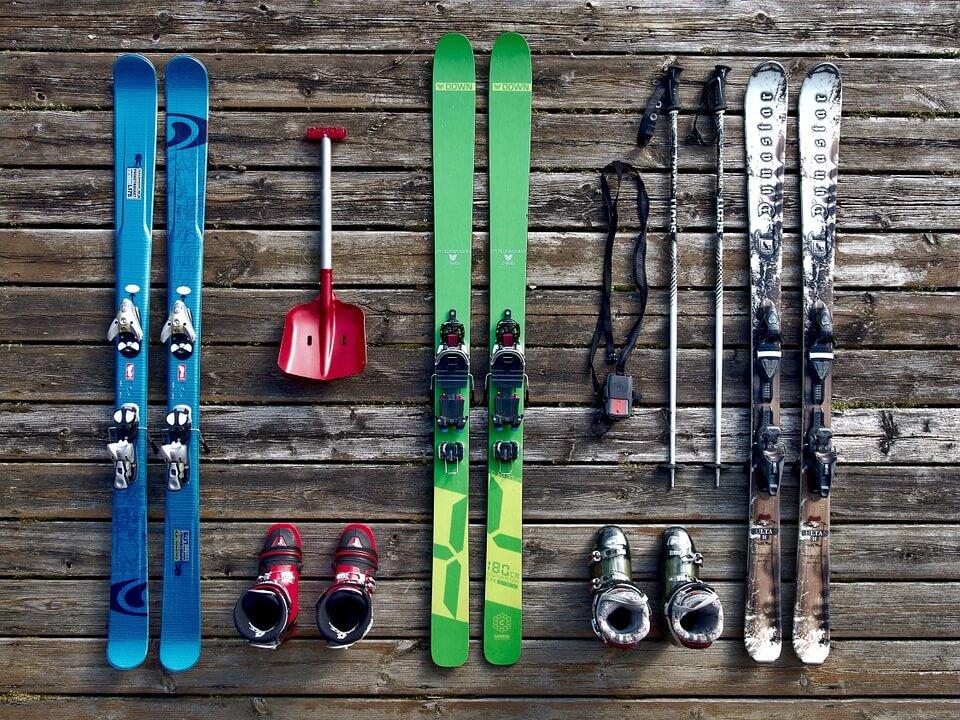 Faire du ski sur la neige corse