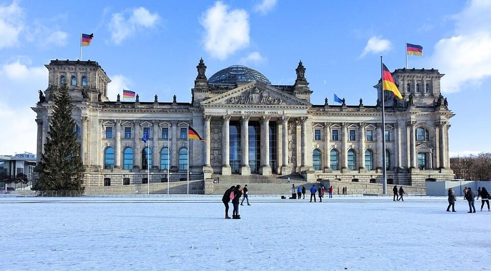 parlement allemagne neige berlin