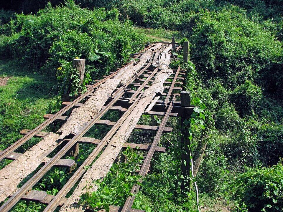 chemin de fer francais au laos 4000 iles
