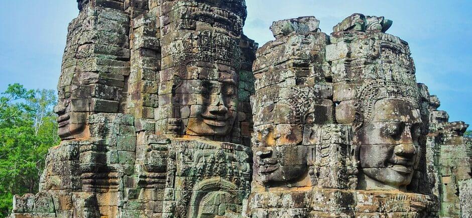bayon a angkor temple cambodge