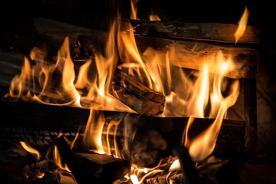 tradition du feu nouvel an en espagne