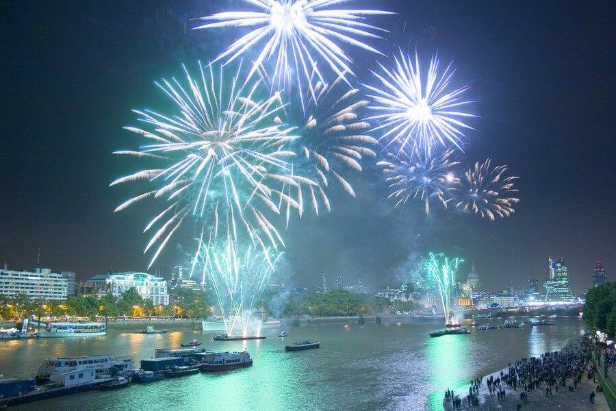 feux d'artifices du nouvel an à londres