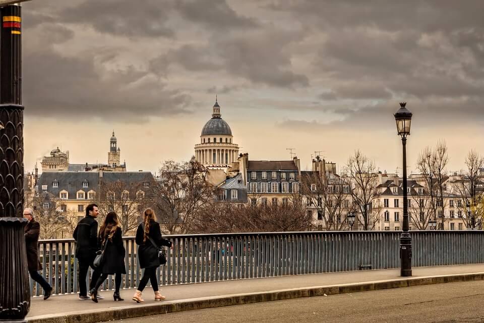 promenade quais de seine nouvel an paris