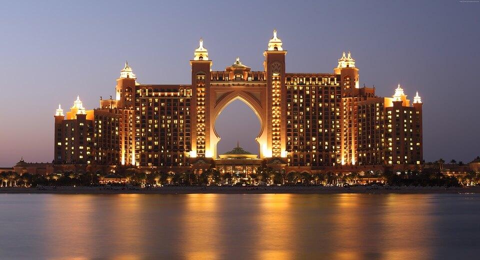 Atlantis dubai batiment de nuit