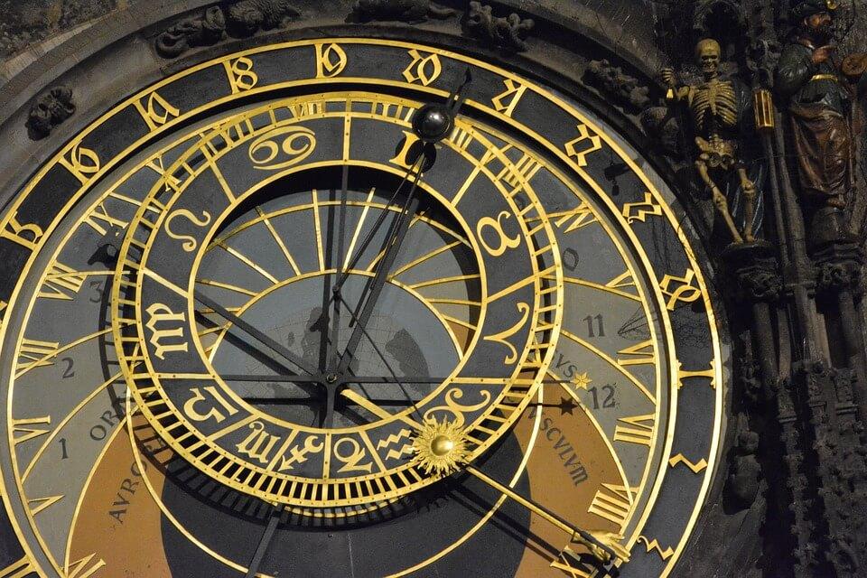 horloge de l'hotel de ville de prague