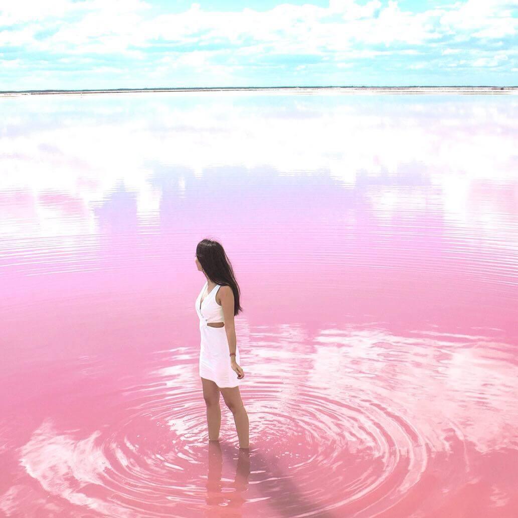plonger dans le lac rose en australie