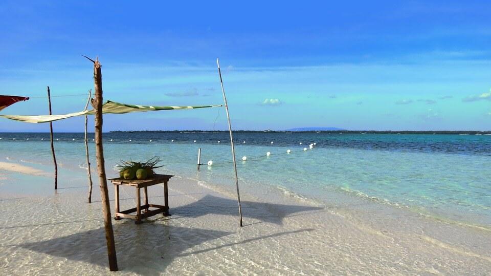 plage aux philippines saison des pluies aux philippines