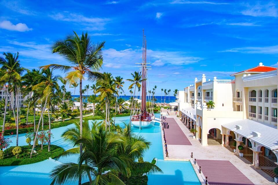 hotel palmier piscine saison des pluies en république dominicaine