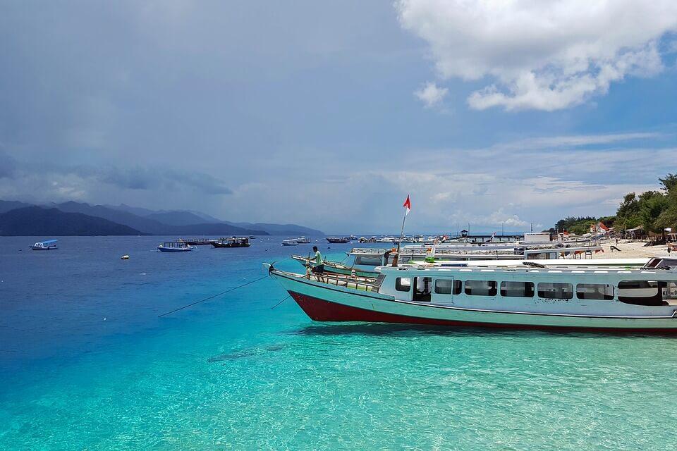plage eau transparente iles gili lombok