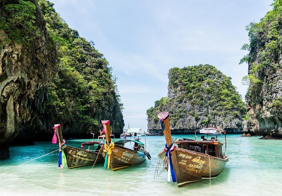 cambodge ou thailande plage bateau rochers thailande mer