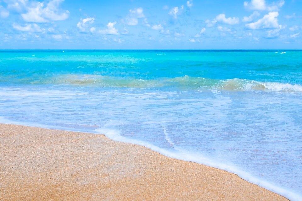 plage bleu mer andaman phuket ou bangkok