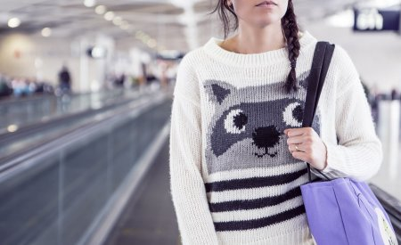 vol raté femme aéroport attente