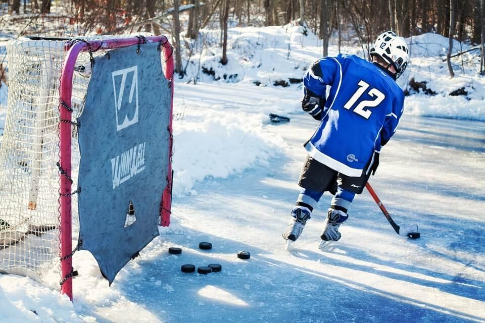 hockey le sport du canada enfant cage