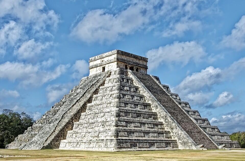 pyramide maya chitchen itza mexique