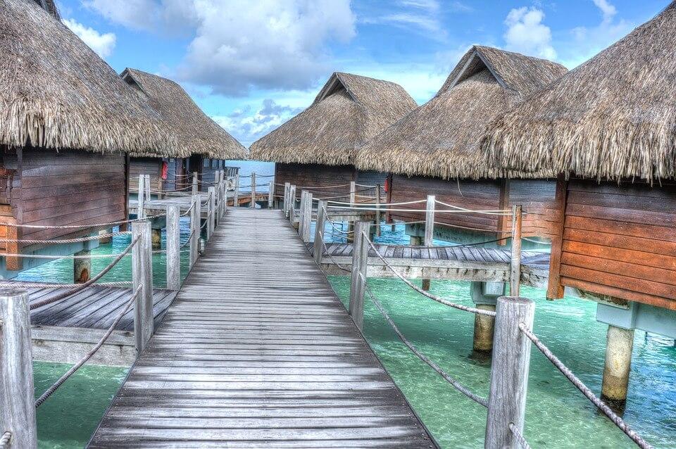 bora bora tahiti polynésie bungalow sur pilotis lagon îles paradisiaques du monde