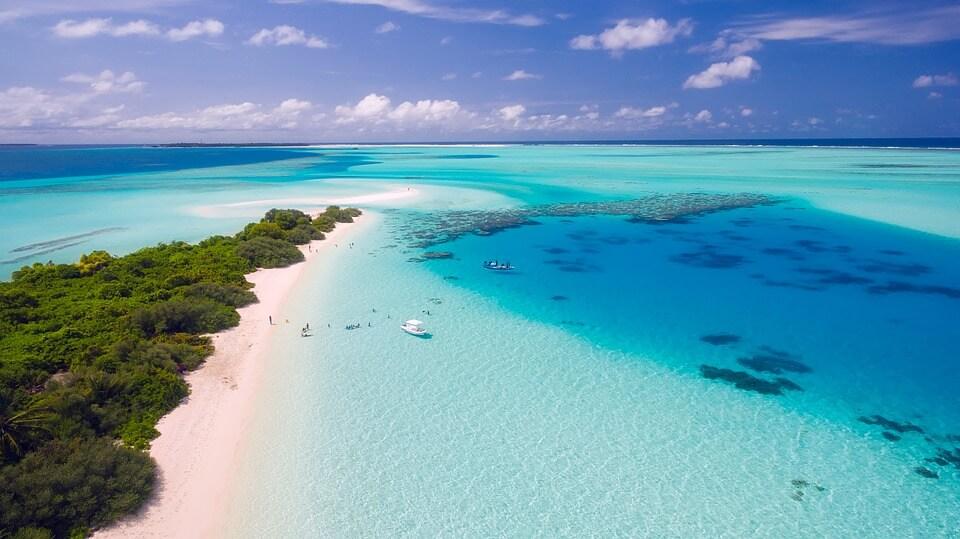maldives lagon sable blanc îles paradisiaques du monde