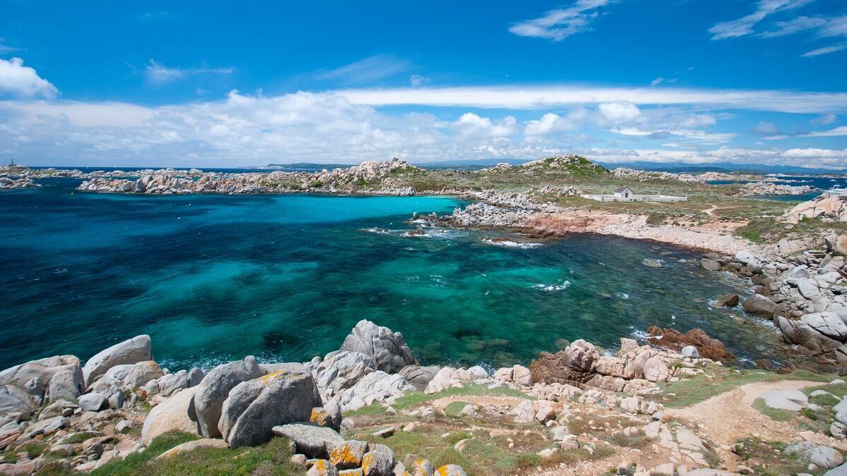 iles lavezzi mer bleu ile sauvage que faire en Corse du Sud