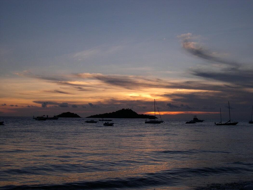 coucher de soleil ilets pigeon réserve cousteau en guadeloupe