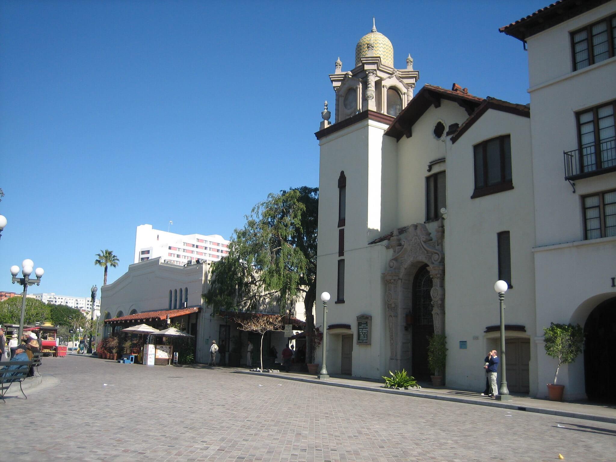 El Pueblo est un petit village de type espagnol du XVIIIème siècle, permettant de voir à quoi ressemblait Los Angeles avant de devenir la mégalopole LA d'aujourd'hui.