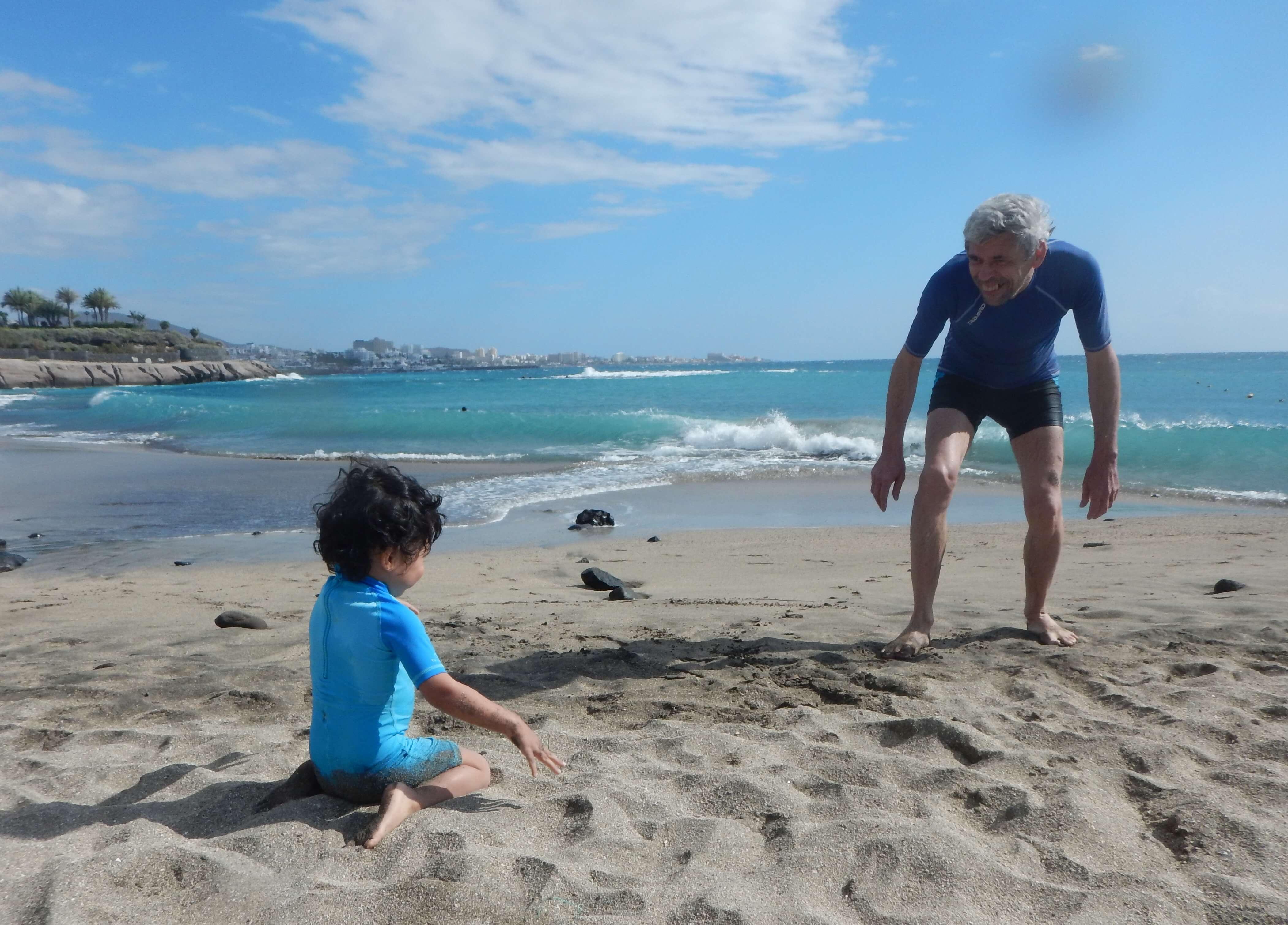 Vacances en famille : Tenerife ou Gran Canaria ? Chacune de ces îles dispose de ses propres atouts pour les vacances avec des enfants.