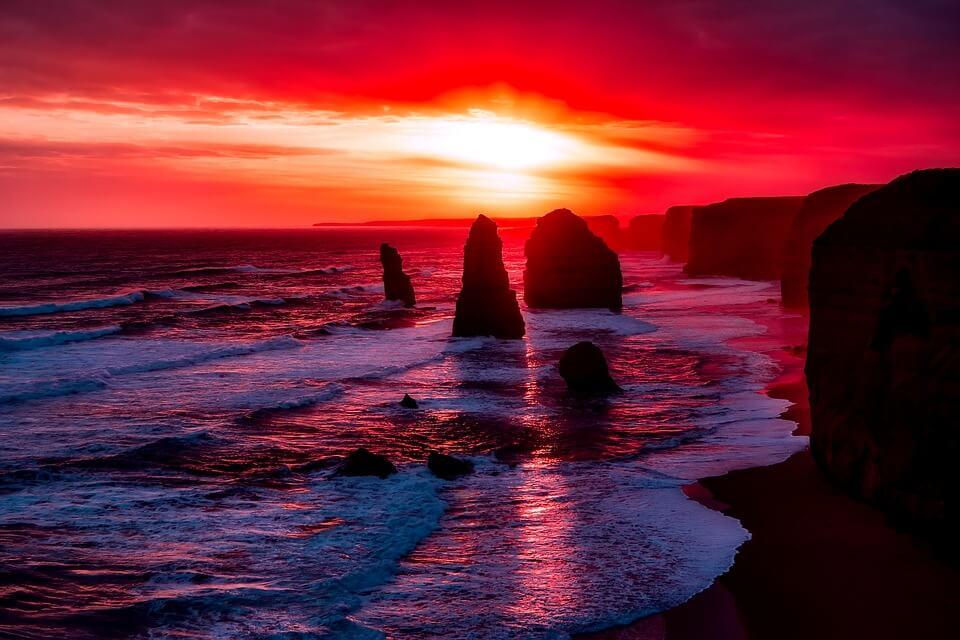 australie coucher de soleil ocean rochers great ocean road douze apotres pays chauds en janvier