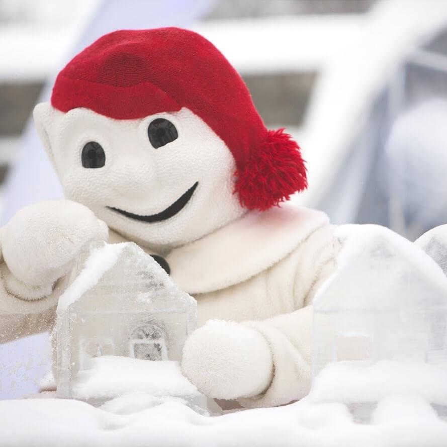 bonhome carnaval bonnet rouge carnaval de québec
