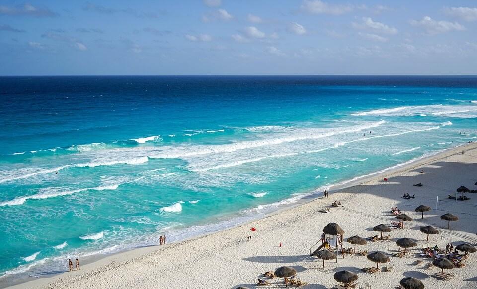 plage de cancun sable blanc mexique pays chauds en hiver
