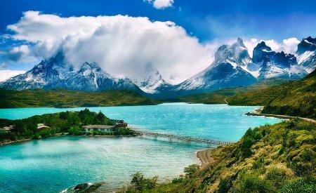 lac et montagne au chili pays chauds en hiver