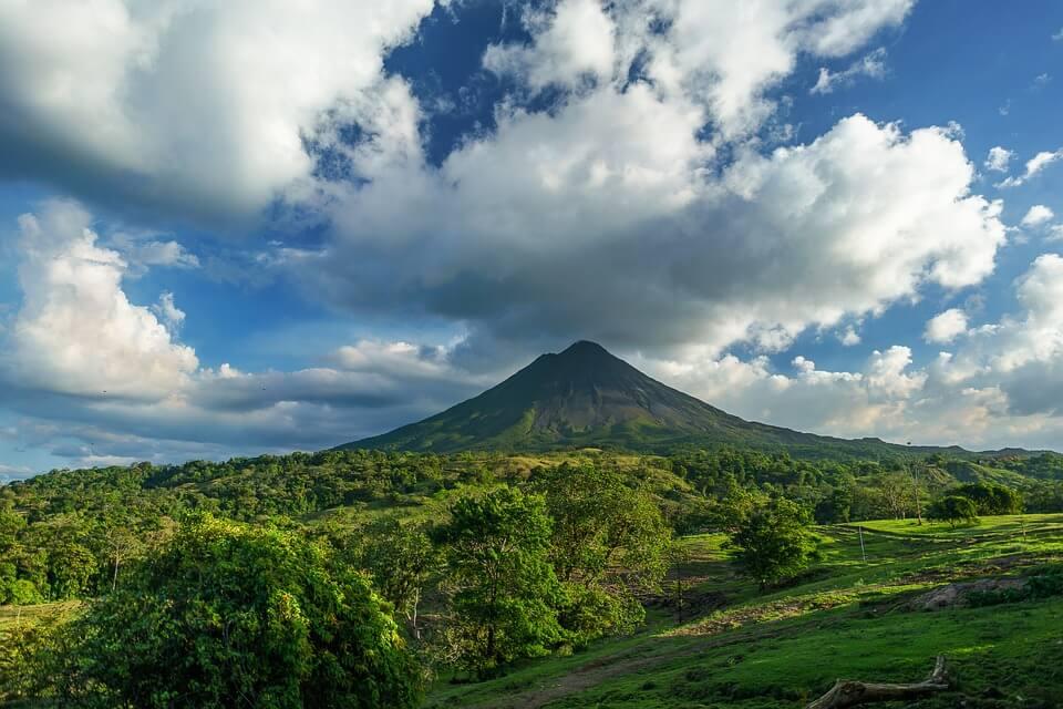 volcan nature vegetation costa rica