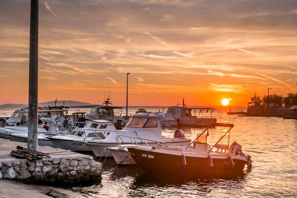 bateaux coucher du soleil croatie ile où faire la fête en croatie ?