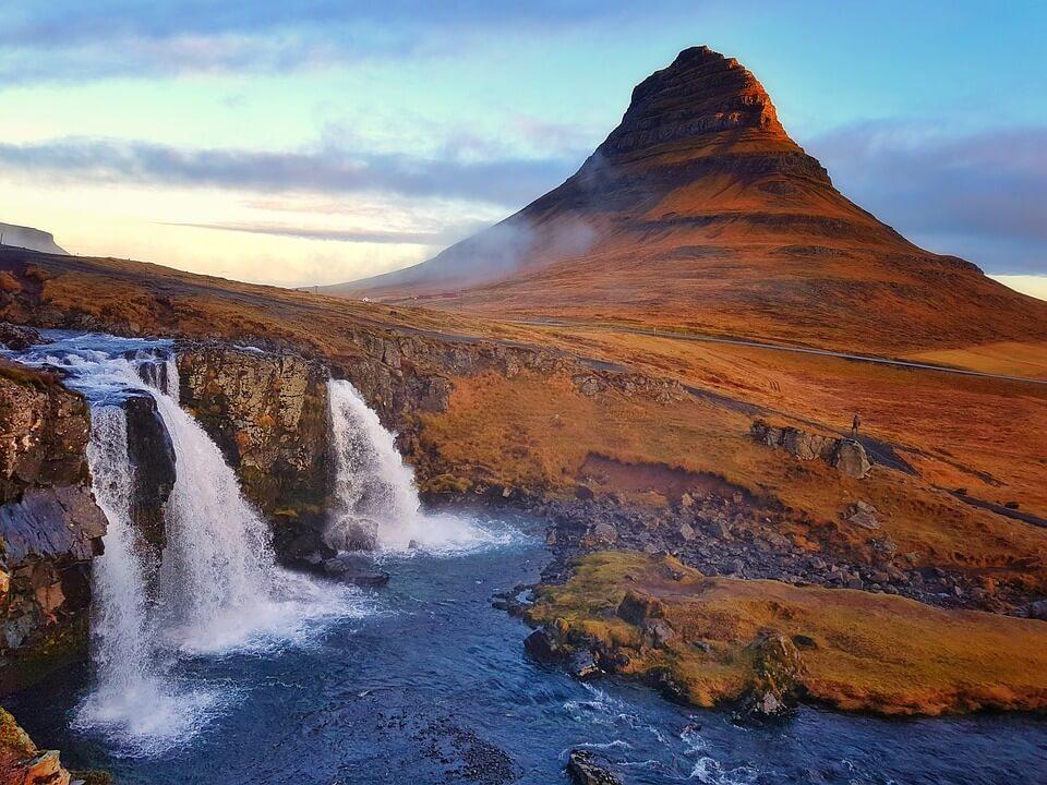 montagne kirkjufelL road trip en Islande