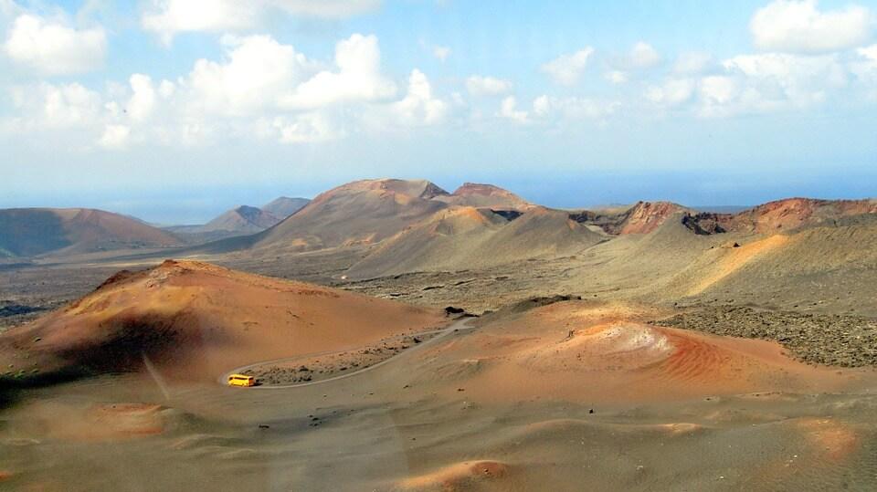 parc national de timanfaya volcans paysages lanzarote ou fuerteventura