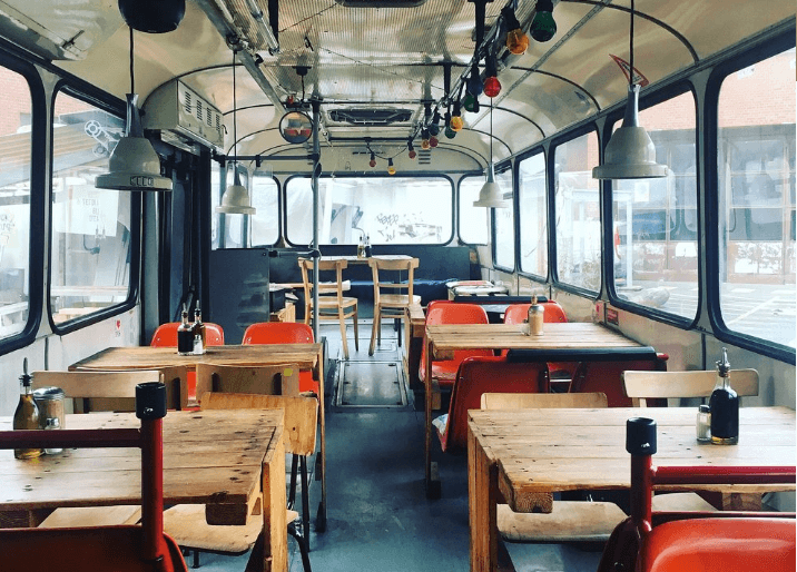 cafe dans un bus berlin