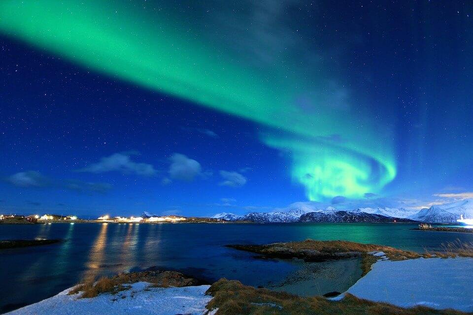 tromso norvege mer aurore boreale nuit où partir en hiver