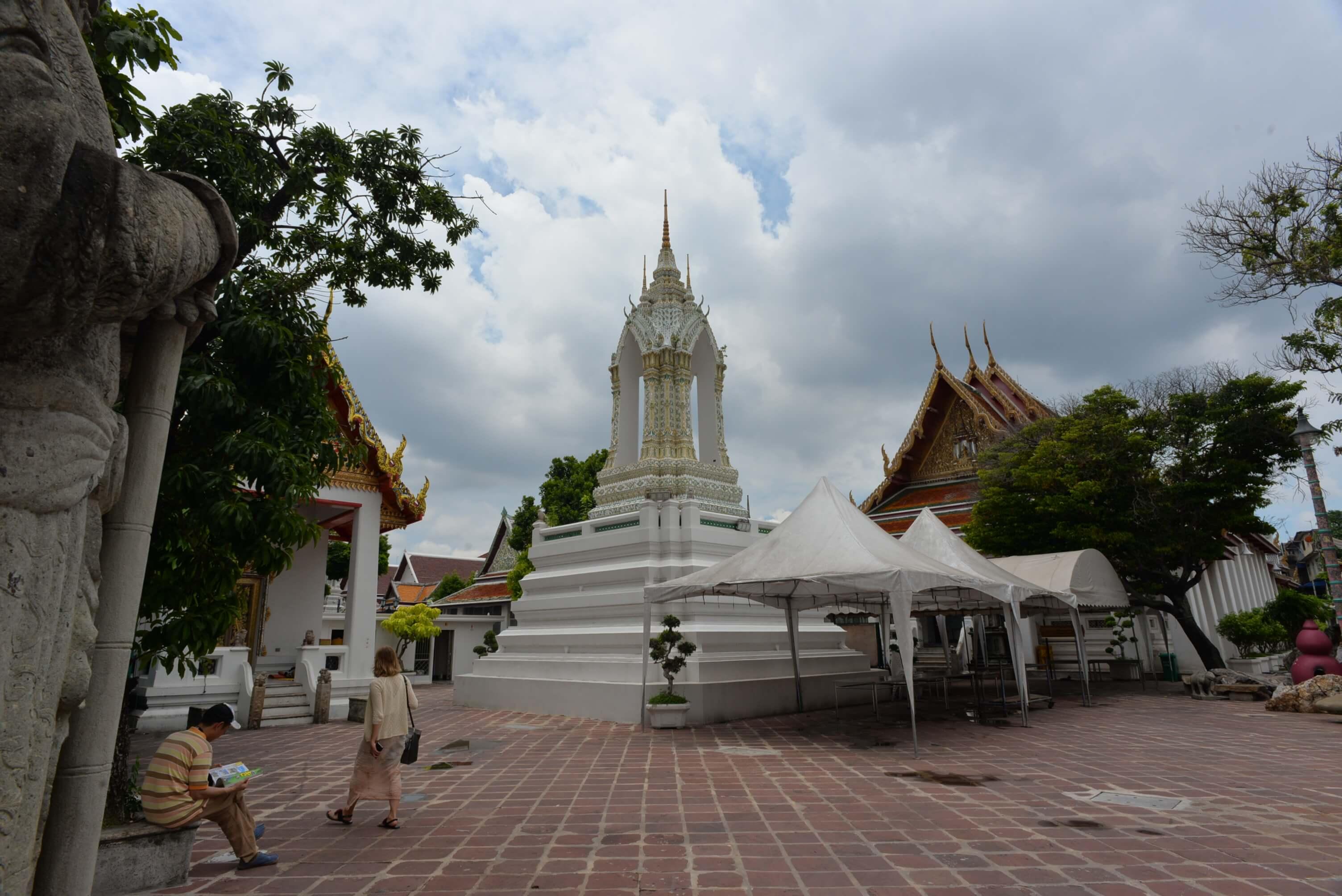 Impossible de visiter Bangkok sans faire un tour dans l'un de ses sanctuaires bouddhistes qui sont de véritables merveilles architecturales.