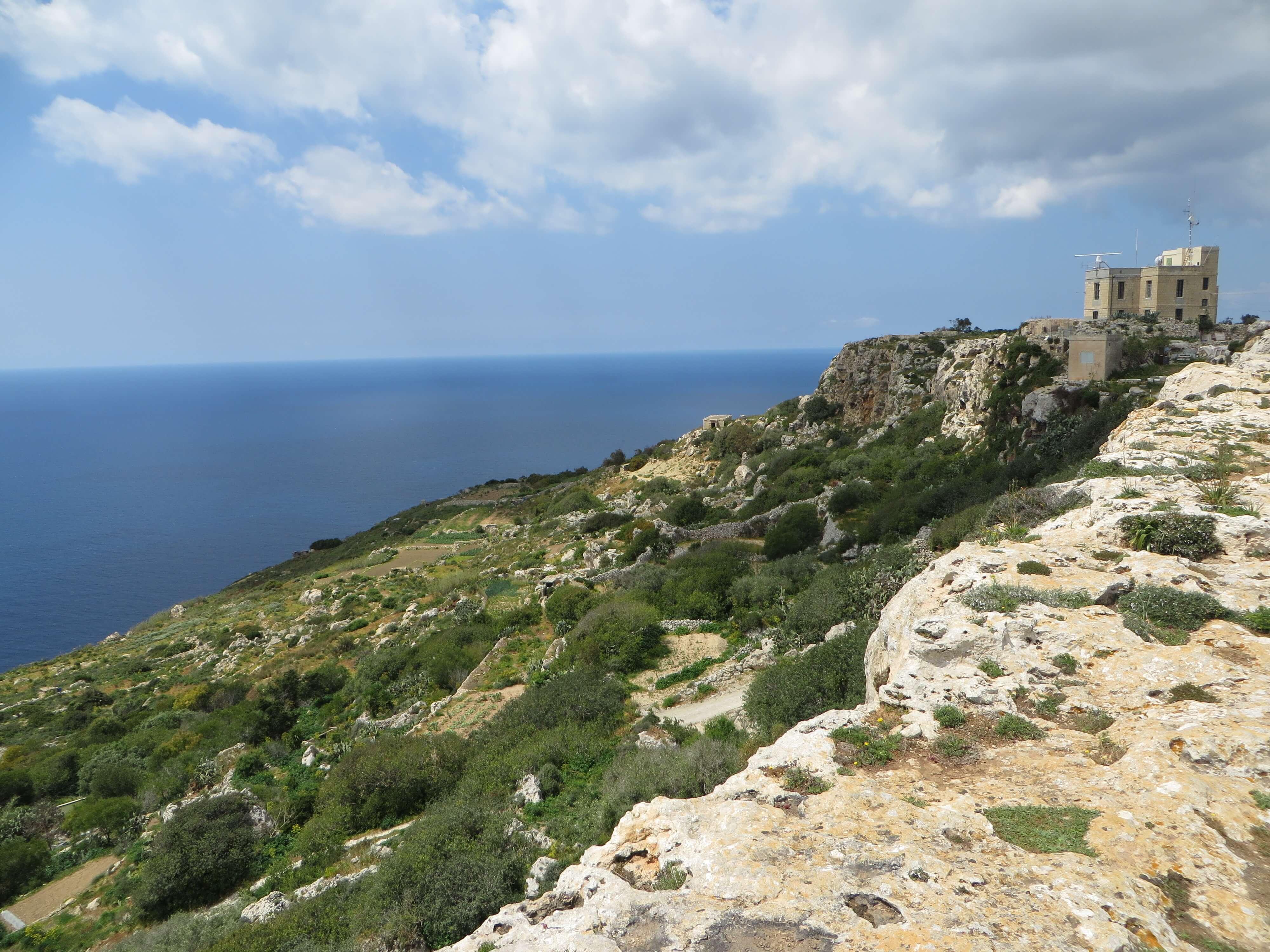 Situées à 253 m au dessus du niveau de la mer, les falaises de Dingli sont les points culminants de Malte. À inscrire sur un itinéraire de randonnée à Malte.