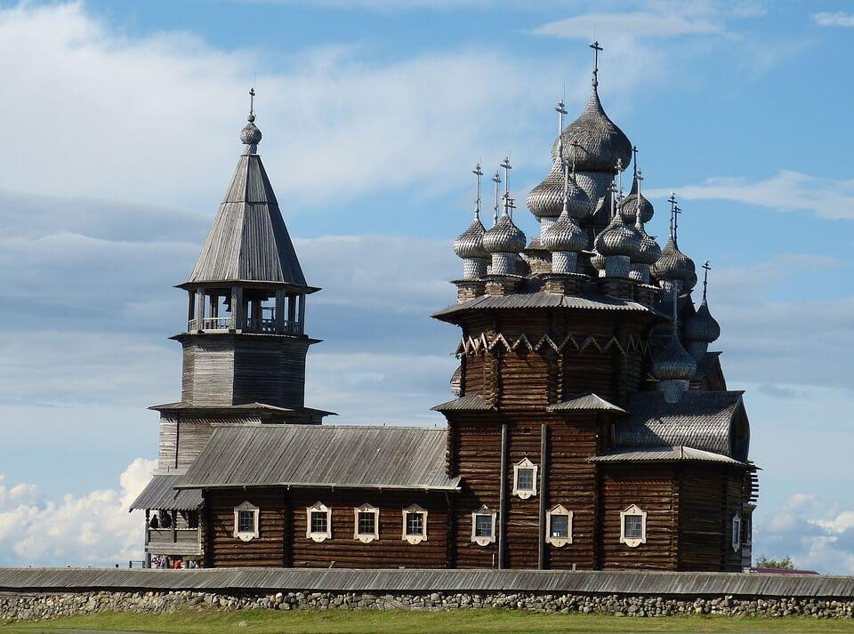 eglise en bois kiji russie croisière Moscou Saint-Pétersbourg