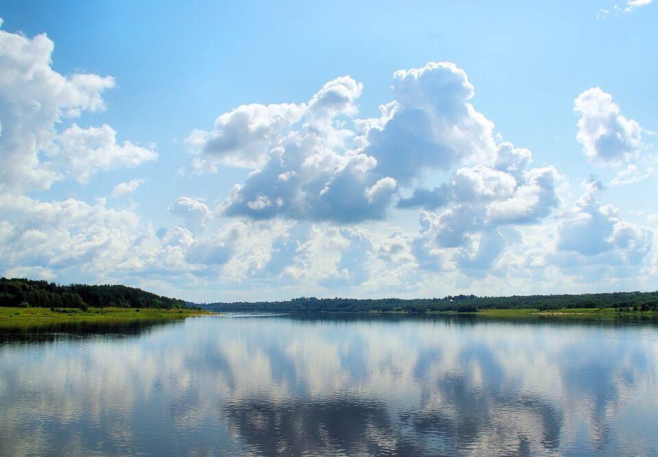 paysage riviere nuage campagne russie croisière Moscou Saint-Pétersbourg