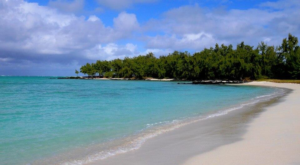 belle plage île au cerfs maurice