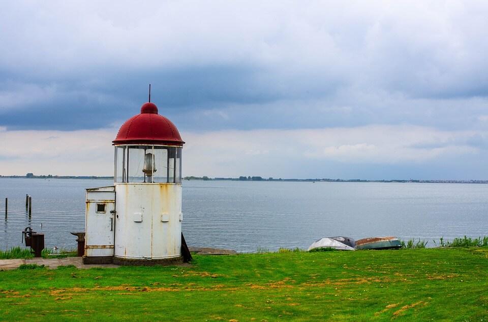 phare mer ile de marken que visiter aux pays-bas