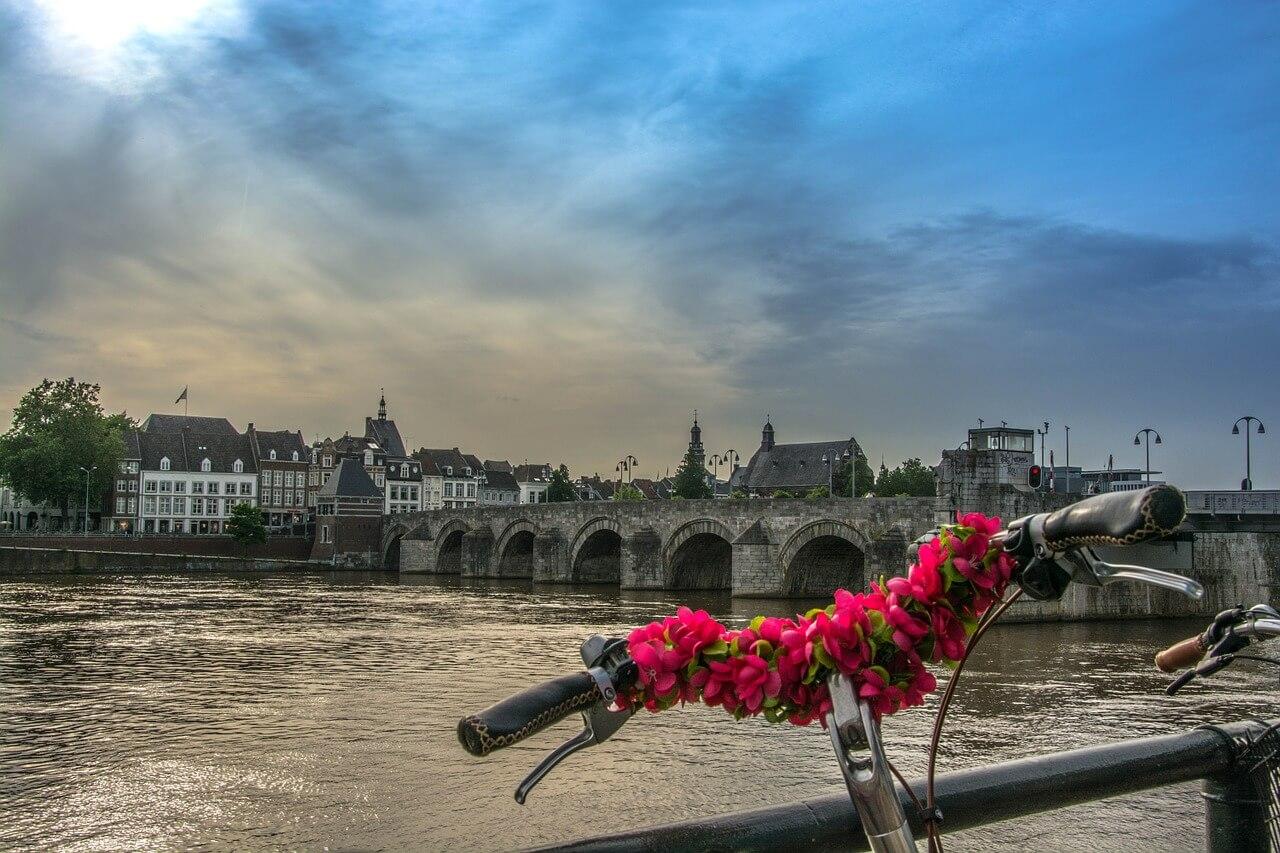 velo fleuri point de vue sur maastricht que visiter aux pays-bas